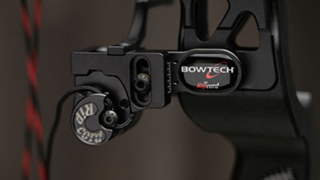 BOWTECH CARBON ICON DELUXE PACKAGE
