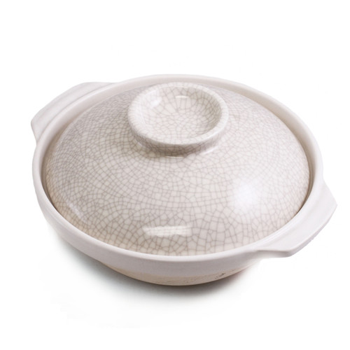 "Ivory Donabe Earthenware Pot 77 fl oz / 9.125"" dia"