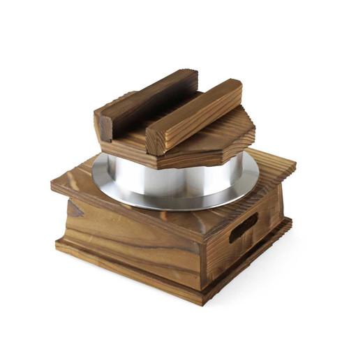 1-Go Kamameshi Pot with Wooden Base and Lid