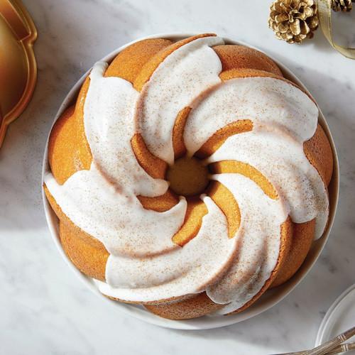 Eggnog Cake Mix & Soft Swirl Bundt Pan Set 2