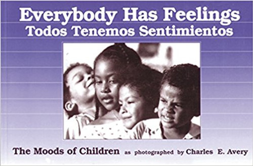 Engaging black and white photographs of children explore their emotions as they encounter one another on play grounds, city streets, and in the country. English and Spanish.