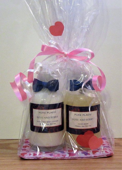 Here's a nice Pure Placid gift set for that special someone, a bottle of Rose and Berry Hand and Body Lotion and a bottle of the same fragrance in Hand Soap