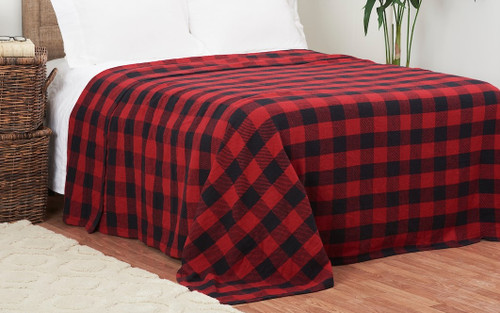 This classic Buffalo Check blanket is 100% woven cotton