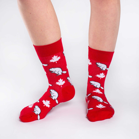 Good Luck Sock Canada Beaver Crew Socks Adult Shoe Size 5-9 Maple Leaf Red