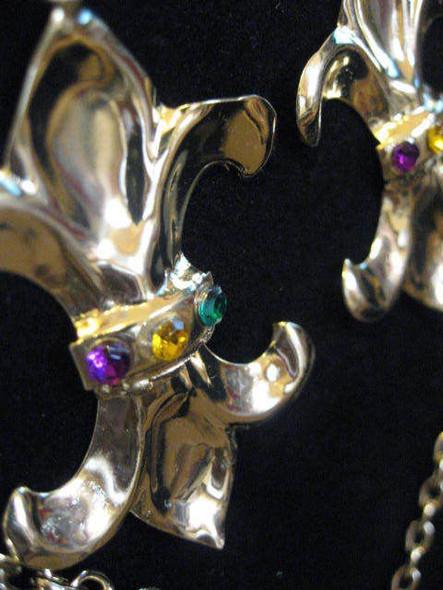 Fleur De Lys Costume Jewelry Set Chain Earrings Gold Womens Mardi Gras Accessory
