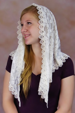 Classic Chapel Veil in White