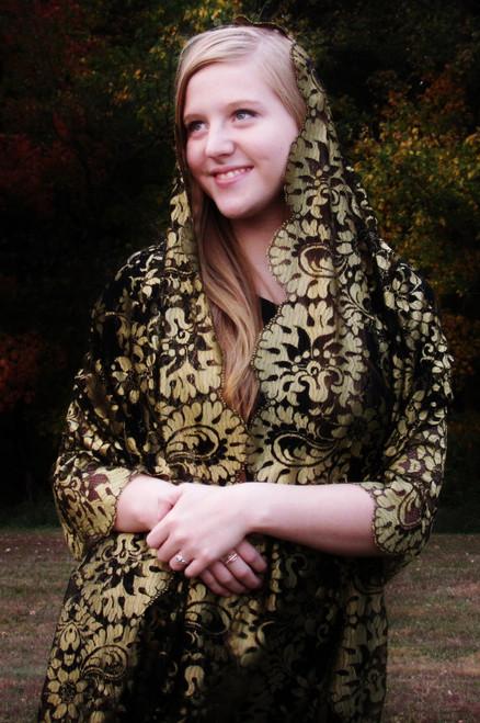 /gold-spanish-mantilla-shawl/