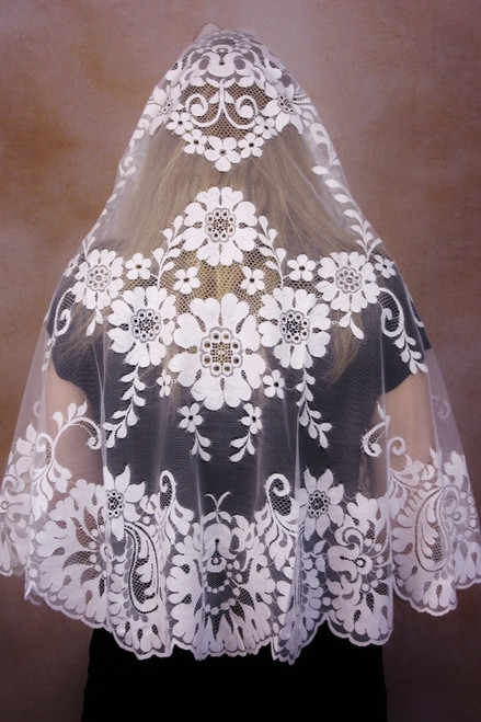 Spanish Cotton Half-Circle Mantilla in White