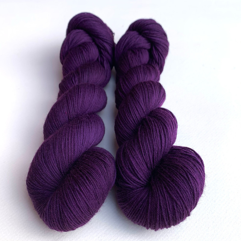 "Branwen is a medium plum, a nice balance of a red/blue purple. I love this color! Semi solid. Color B in Raven's Wing Color Shift. Branwen means ""beautiful raven"" in Gaelic."