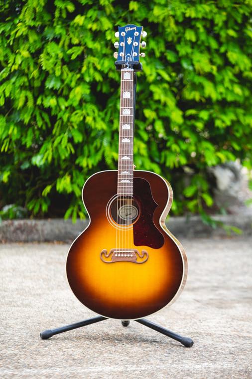 Gibson J-200 Studio Acoustic Guitar Walnut Burst (711106108568)