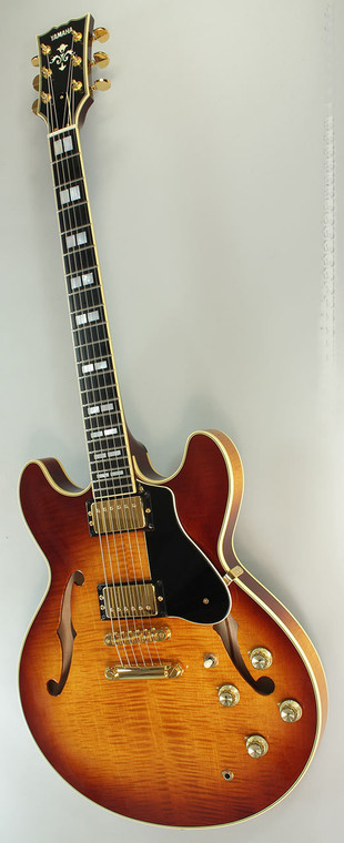 YAMAHA SA2200 SEMI HOLLOW ELECTRIC GUITAR VIOLIN SUNBURST Guitar World AUSTRALIA PH 07 55962588