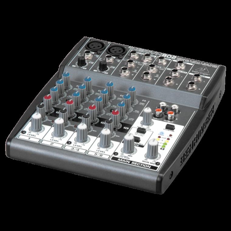 Behringer XENYX 802 mixer