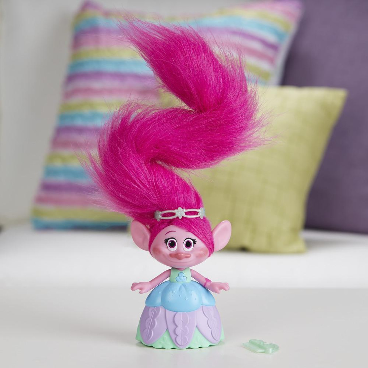 Hasbro C1305as00 Dreamworks Trolls Hair In The Air Poppy Purple