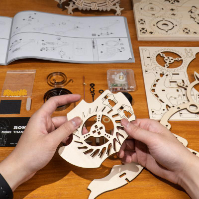 OakridgeStores.com | HANDSCRAFT Mechanical Wooden Puzzle : Owl Clock DIY 3D Wooden Puzzle Laser-Cut Mechanical Wind-Up Puzzle Model Kit (LK503) 850005994978