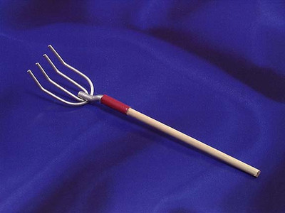 INTERNATIONAL MINIATURES - 1 Inch Scale Dollhouse Miniature - Pitch Fork (IM66003) 731851660036