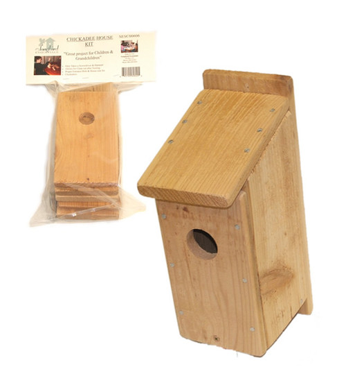 SONGBIRD ESSENTIALS - Chickadee Bird House Craft Kit (SESC00606) 645194606005