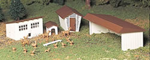 BACHMANN - O Scale Farm Out Buildings Model Kit (4 pieces) (45604) 022899456041