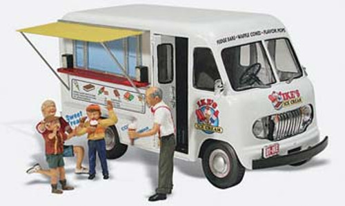 WOODLAND SCENICS - N Ike's Ice Cream Truck - Train Accessories (N Scale) (AS5338) 724771053385