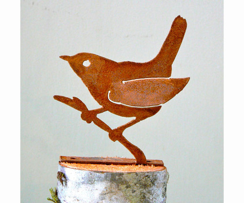 ELEGANT GARDEN DESIGN - Wren on Branch Bird Silhouette Decorative Metal Ornamental Garden Statuary (ELEGANTB703) 857879004024