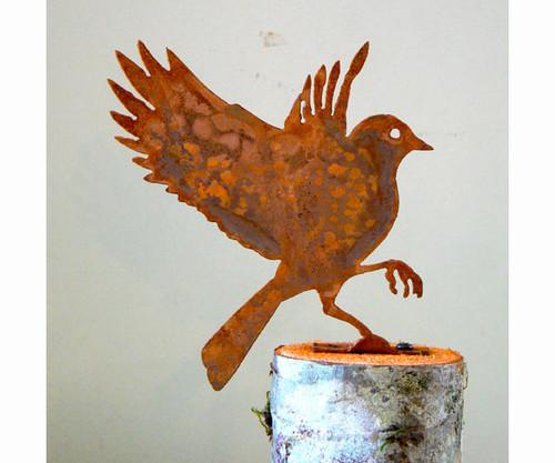 ELEGANT GARDEN DESIGN - Flying Bluebird Bird Silhouette Decorative Metal Ornamental Garden Statuary (ELEGANTB713) 857879004123