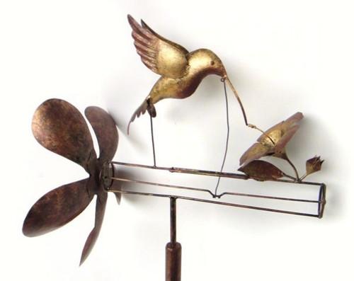 GIFT ESSENTIALS - Classic Hummingbird Whirligig GEBLUEG475 804414020704