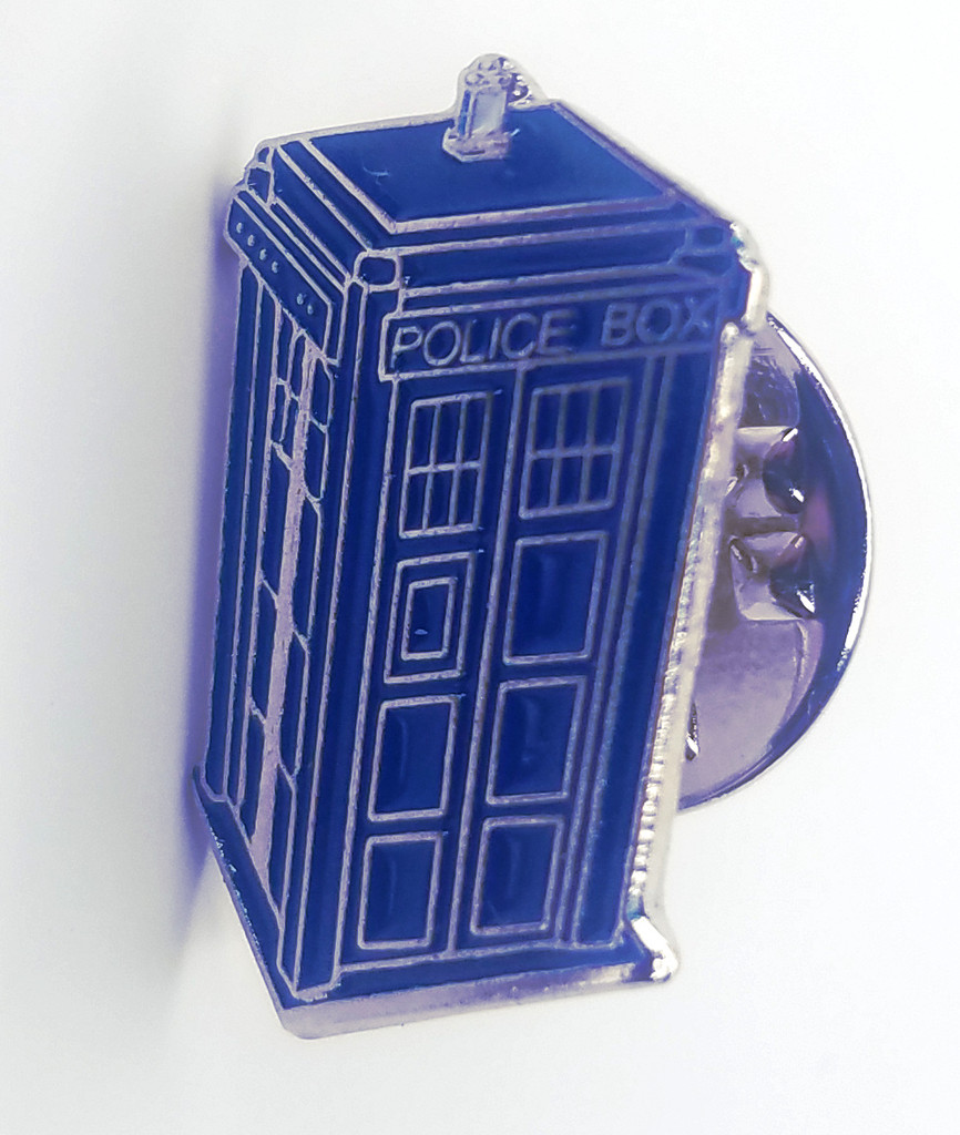 TARDIS - Doctor Who Science Fiction BBC TV Series - UK Imported Enamel Lapel Pin