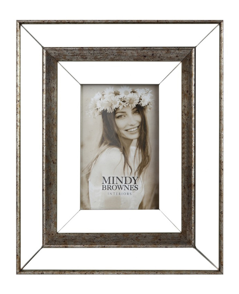 Debra Frame (5x7) - HUA038 - Genesis & Mindy Brownes Interiors