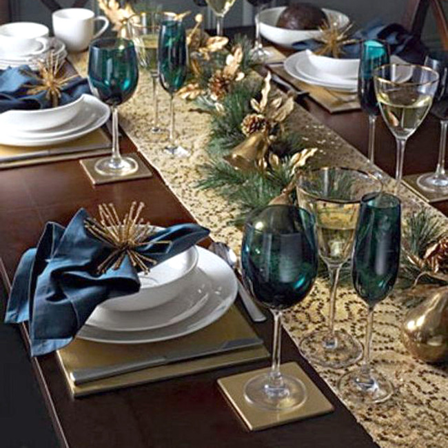 How to Create the  Perfect Festive Centrepiece