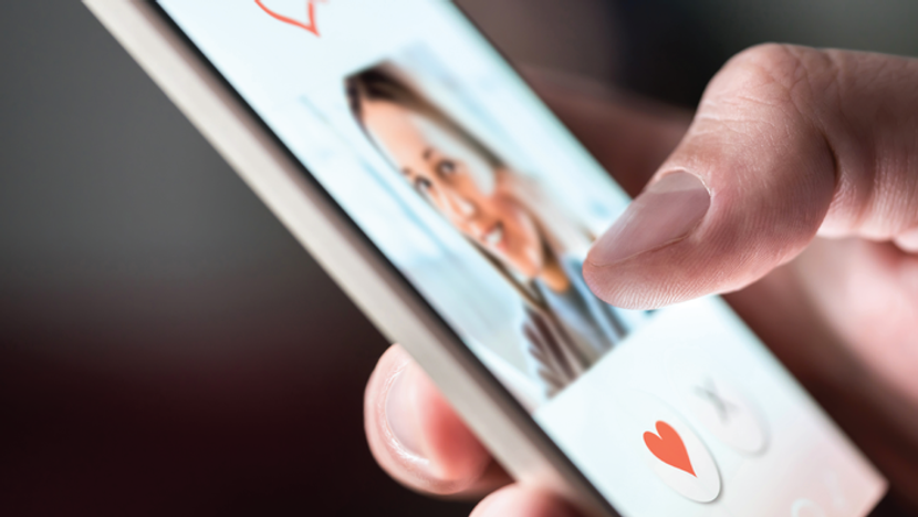 How To Write An Online Dating Profile That Will Catch The Eye