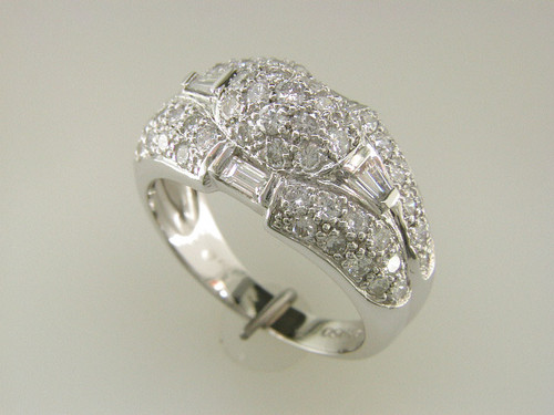 Custom design round/baguette diamond ring