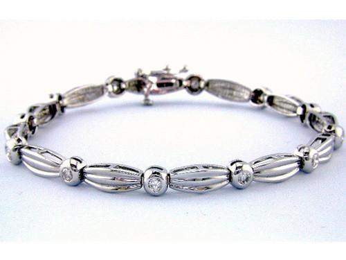 Custom design bezel set diamond ribbed oval link bracelet
