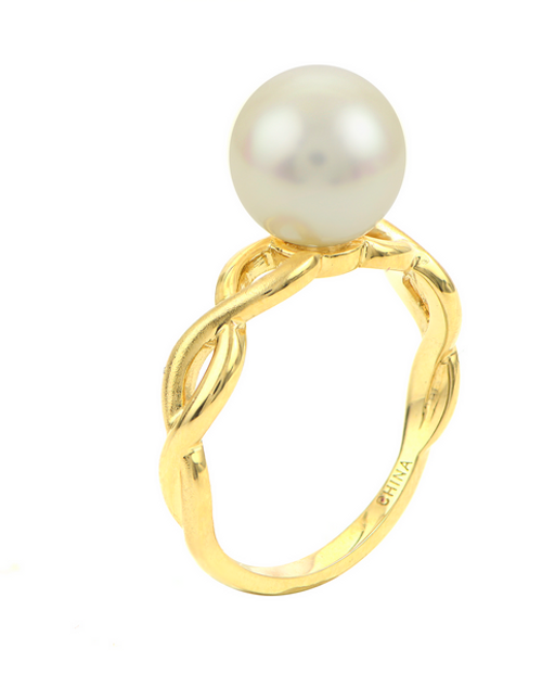 14 karat yellow gold FW pearl ring with weaved ring