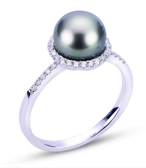 14 Karat white gold Tahitian pearl Halo style ring