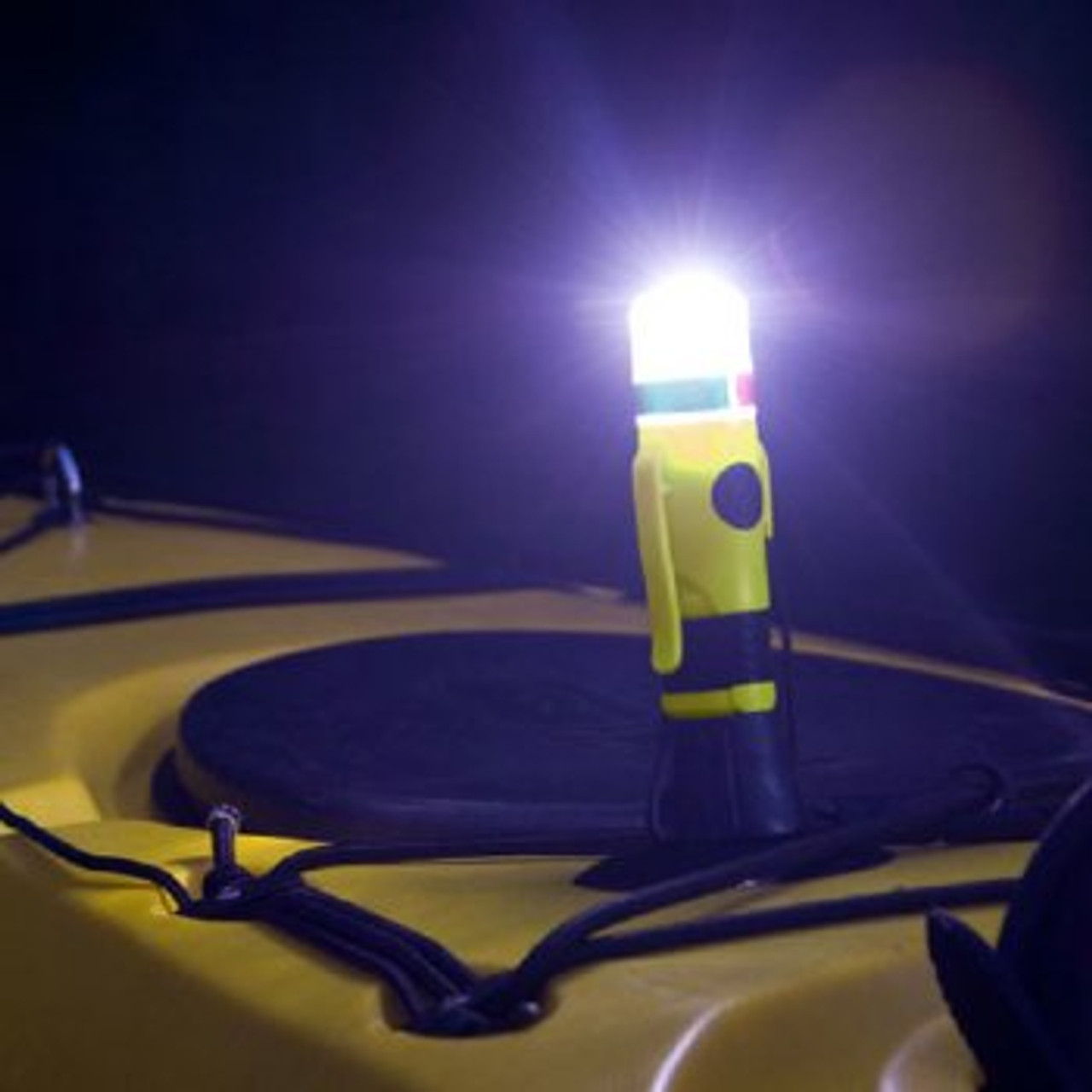 Hydrostar™ Compact Submersible Deck Light/SOS