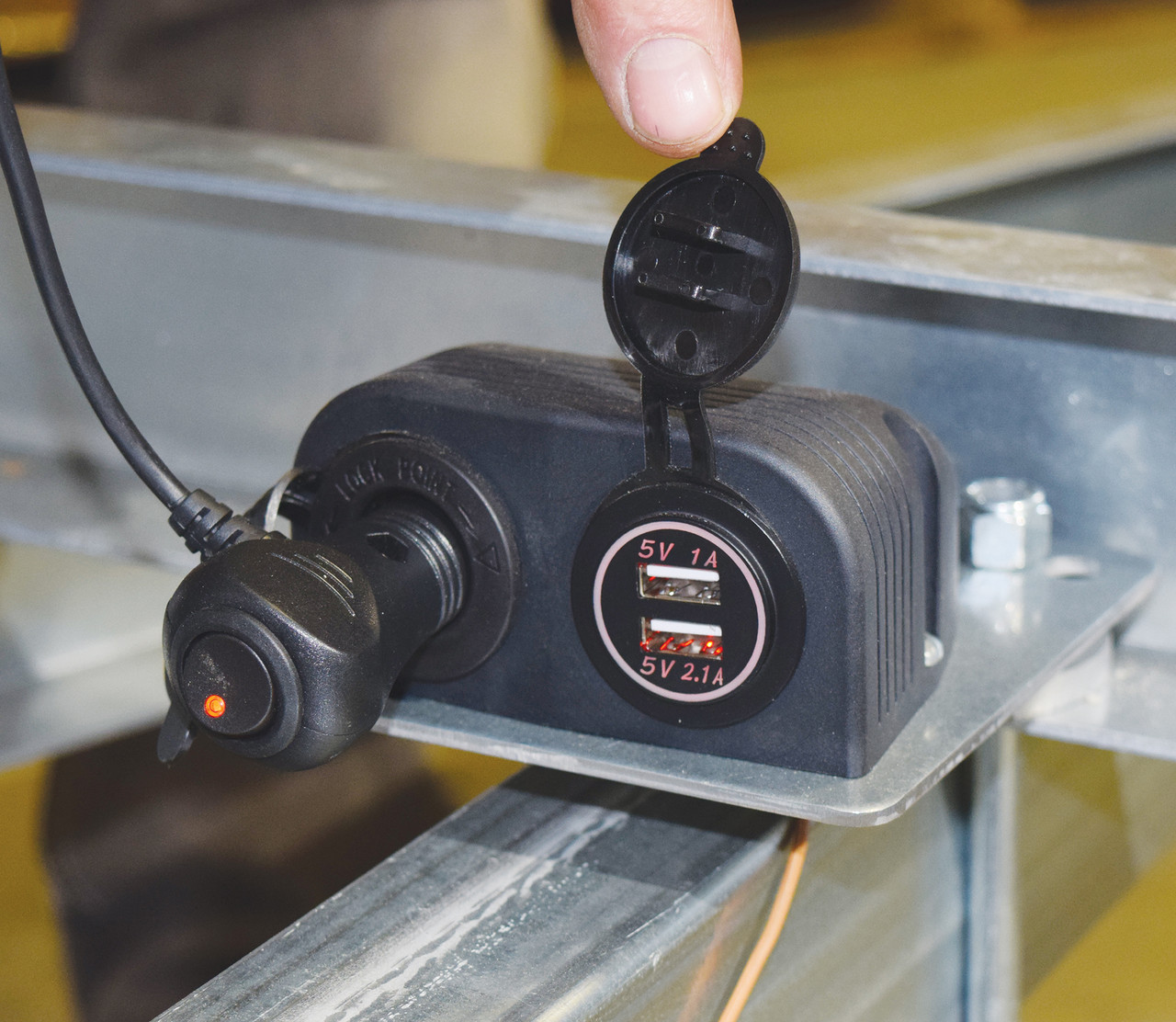 Electrical Charging Station (MPG543)
