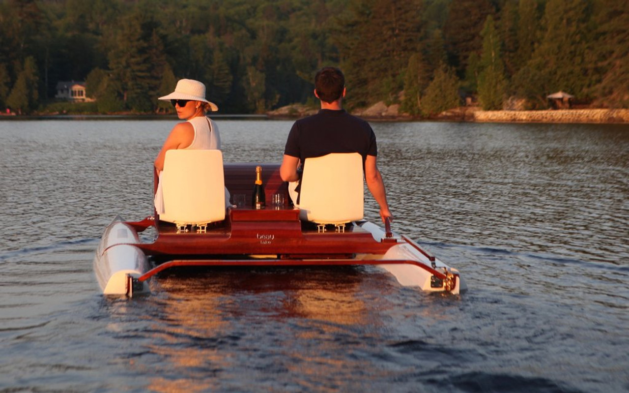 THE ST-TROPEZ - Pedal Boat