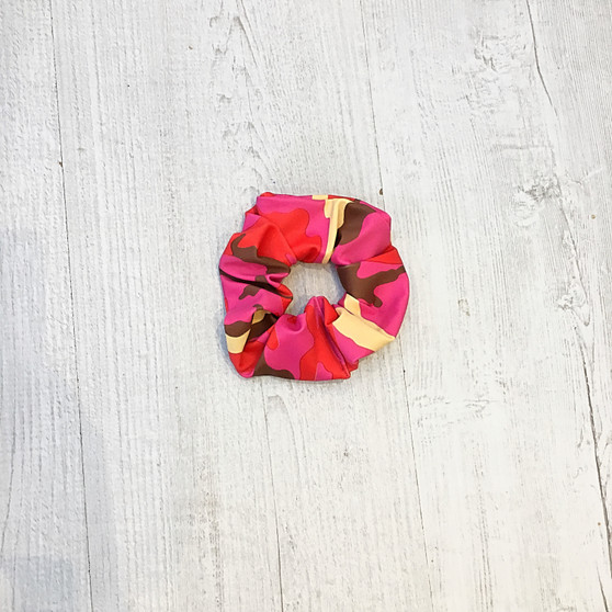 *NEW* CAMOUFLAGE WHO? scrunchie