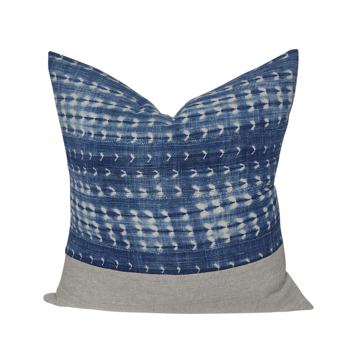 Vintage Indigo Pillow 3057 26 front