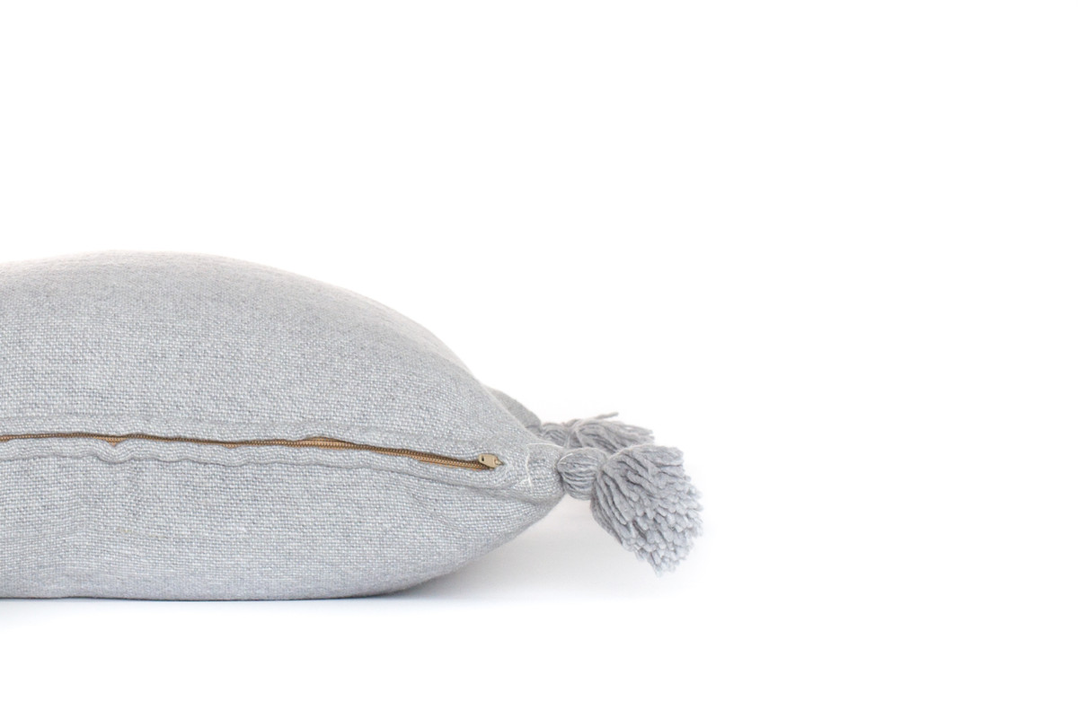 Frenchie Pillow  Gris Claire
