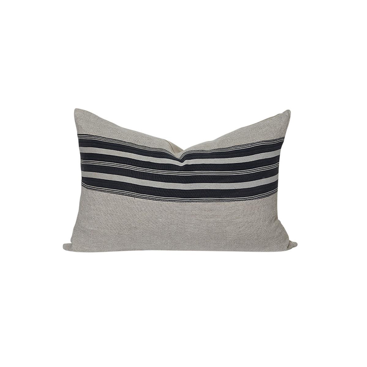 Indigo Pillow 1826 - 3814 Front