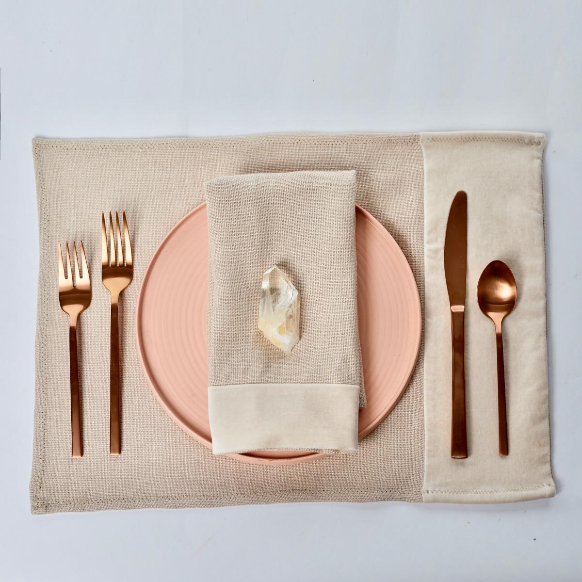 Alexis Ivory Quartz Linen Placemat - Setting