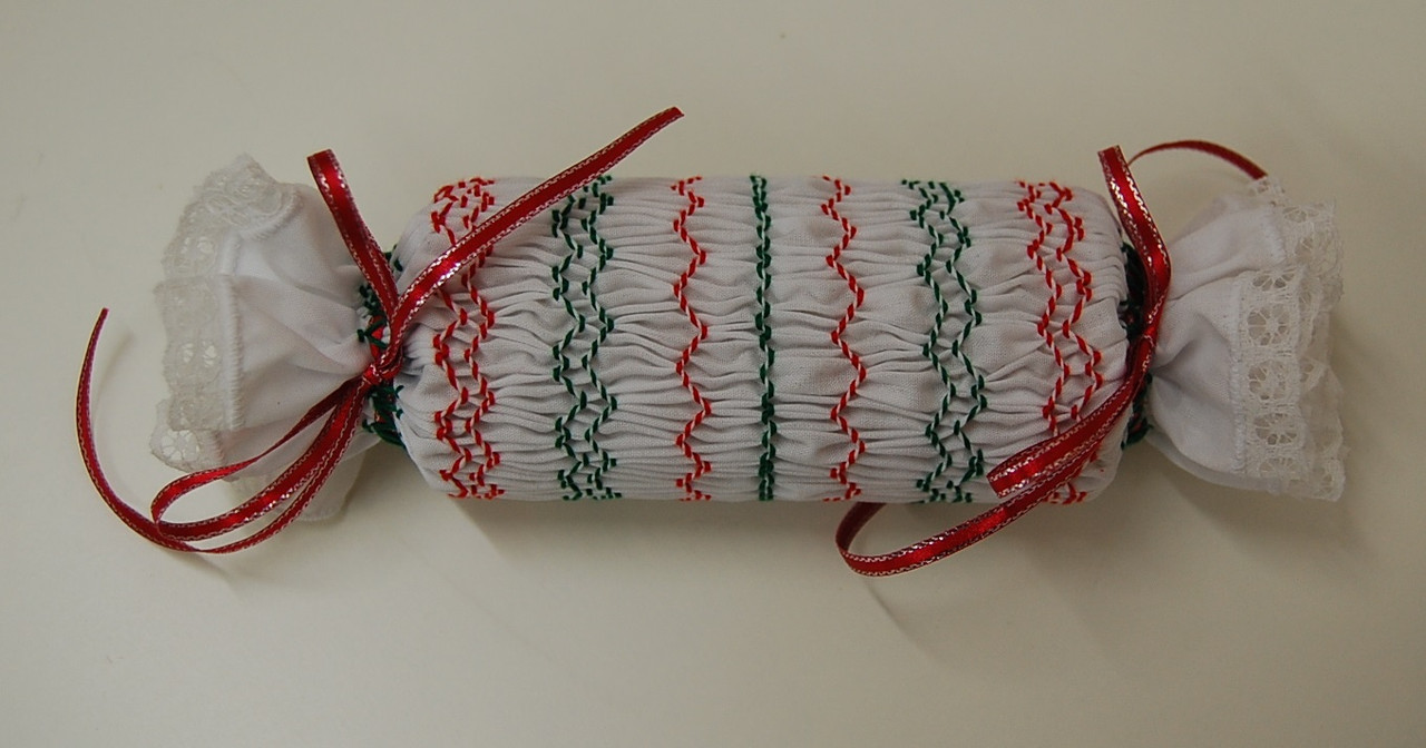 Downloadable pattern to make this Christmas cracker
