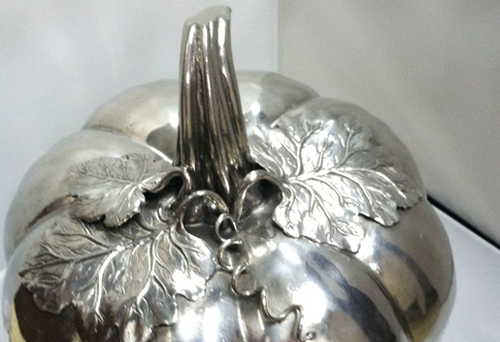 Cipolla Pewter Large Covered Pumpkin with Leaves