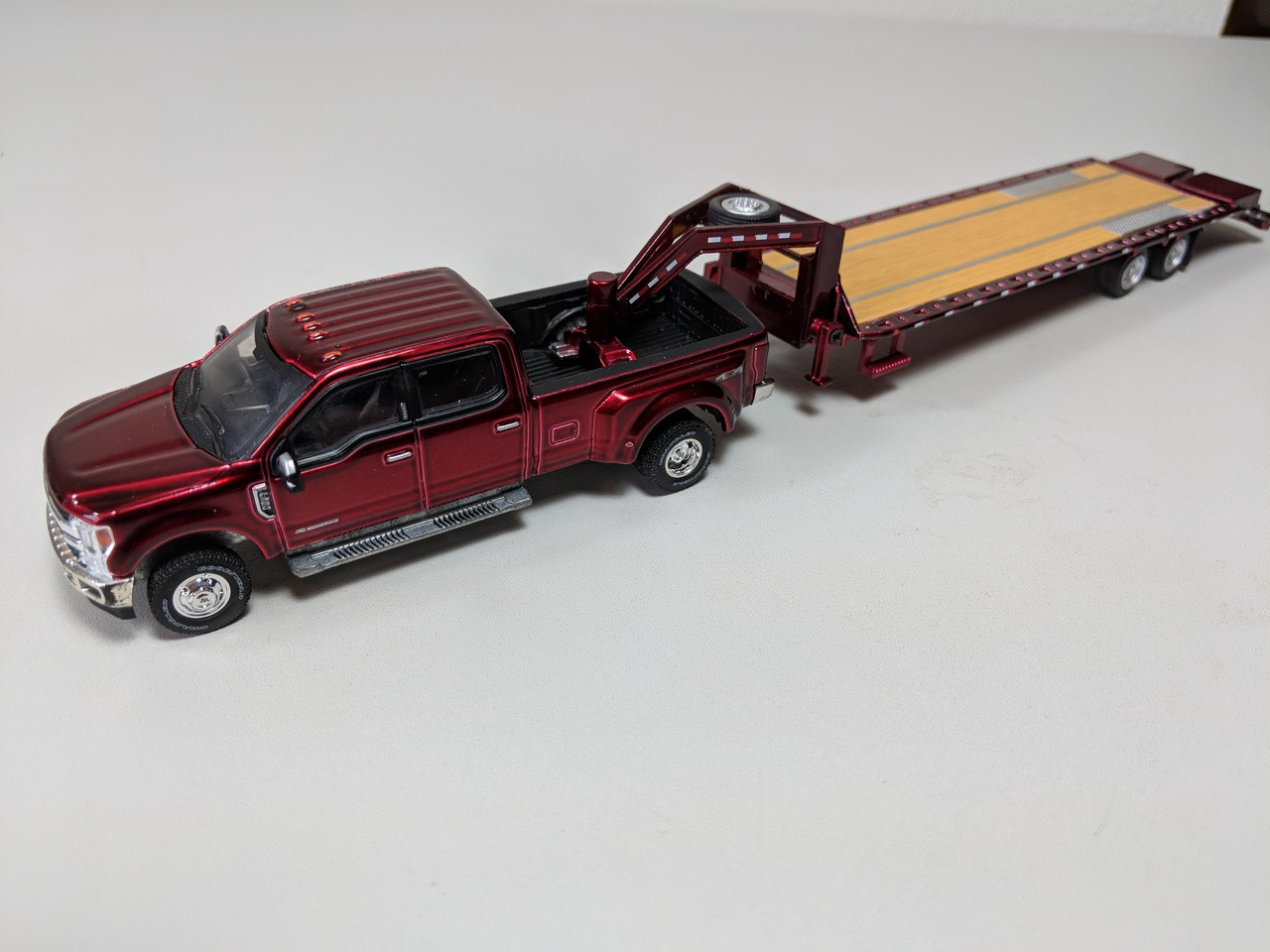 1 64 Hitch Tow 2018 Ford F 350 King Ranch Dually Ruby Red And Hd Gooseneck Trailer Town And Country Toys