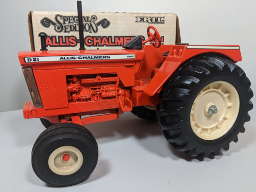 1:16 Allis Chalmers D-21 Diesel Tractor Minnesota State Fair Special Edition