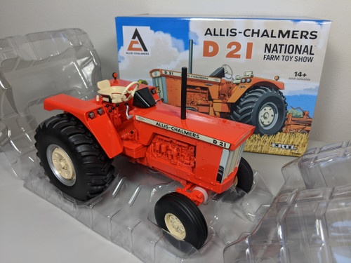 1:16 Allis Chalmers D-21 Diesel Tractor, 2017 40th National Farm Toy Show Edition