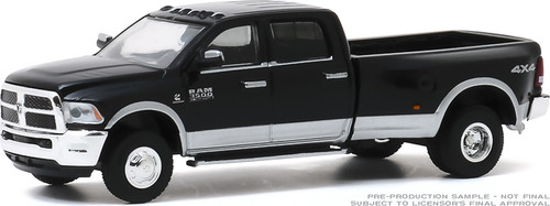 1:64 Dually Drivers Series 4 - 2018 Ram 3500 Dually - Harvest Edition - Brilliant Black and Bright Silver