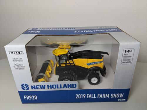 1:64 New Holland FR920 Forage Cruiser, 2 Heads, 2019 Fall Farm Show Edition