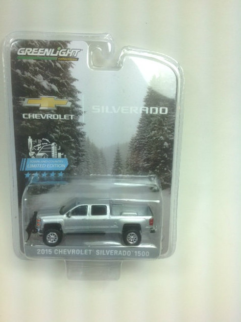 1:64 2015 Chevrolet Silverado, Silver, with Snow Plow and Lift Kit