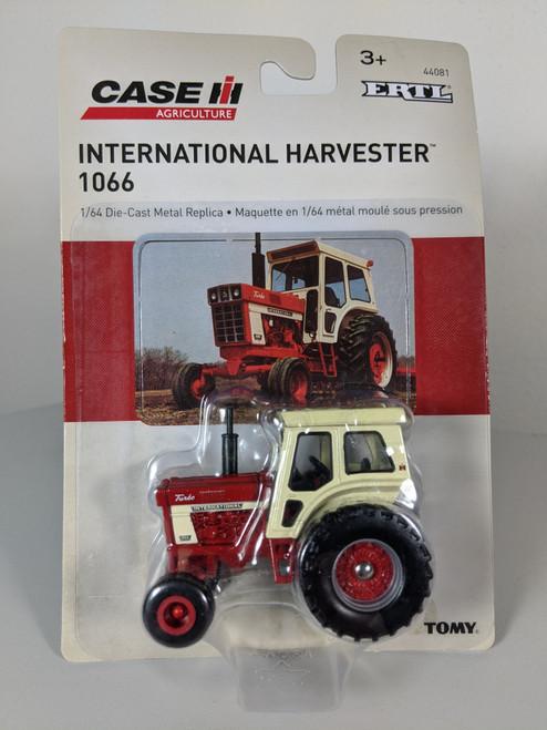 1:64 International Harvester 1066 Turbo With Cab